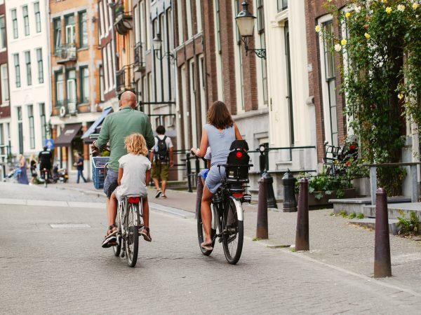 Hogyan tudnak a családok fenntarthatóbban utazni?